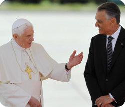 Papa Benedicto XVI con el Presidente Anibal Cavaco Silva